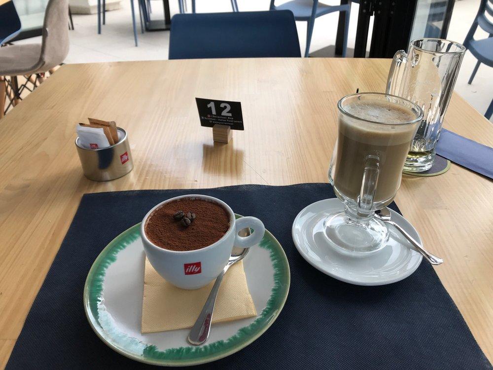 Sciantusi: Av. de Estocolmo, 48, Benidorm, A