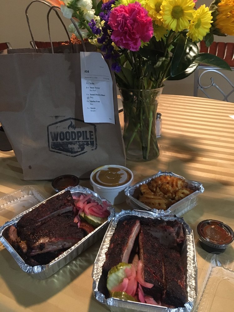 Woodpile BBQ: 630 E 11 Mile Rd, Madison Heights, MI