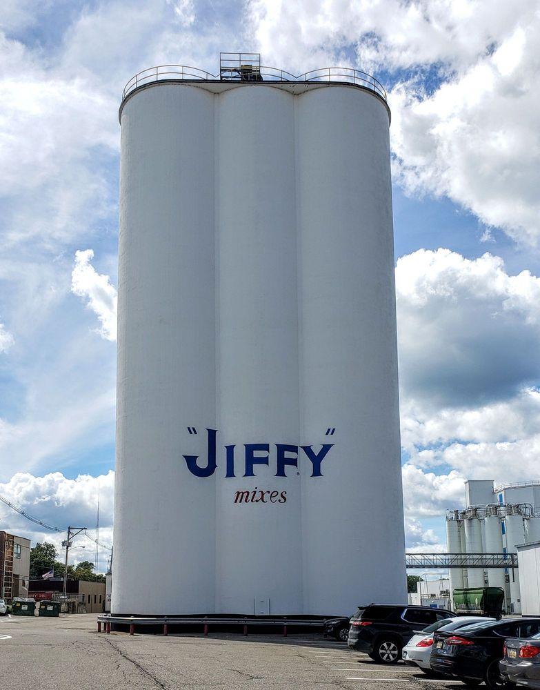 Jiffy Mix: 201 W North St, Chelsea, MI