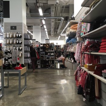 e57b452dcf9 Nordstrom Rack 31st & 6th - 104 Photos & 36 Reviews - Shoe Stores ...