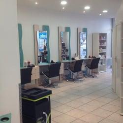 Tchip coiffure coiffeurs salons de coiffure 3 place for Salon coiffure tchip