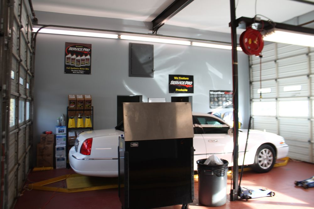 Mountaineer Quick Lube and Car Care: 1505 US Hwy 421-S, Boone, NC