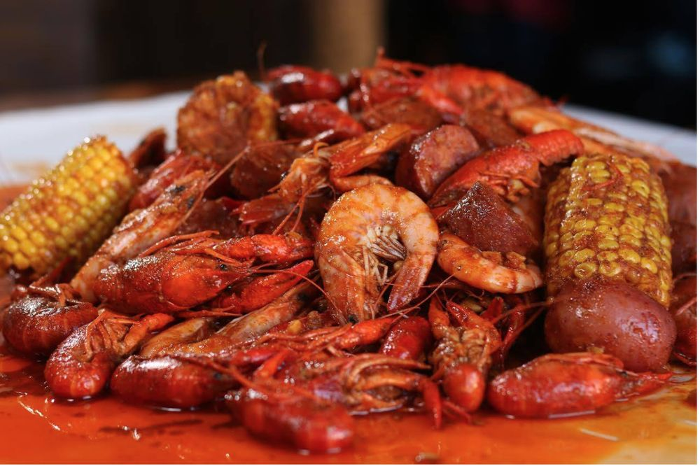 The Twisted Crab Seafood & Bar - Greenbrier: 1401 Greenbrier Pkwy, Chesapeake, VA