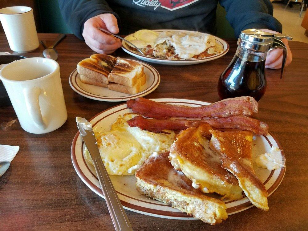 Frank's Cafe: 8085 Hwy 26, Mokelumne Hill, CA