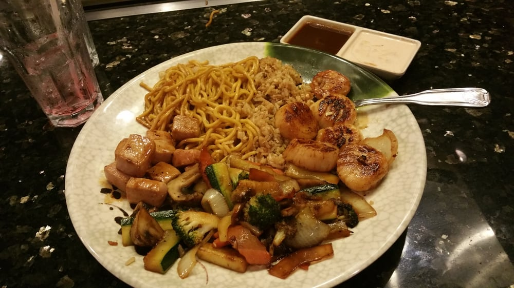 Wasabi Japanese Steak House and Sushi Bar: 203 W Alexander St, Plant City, FL