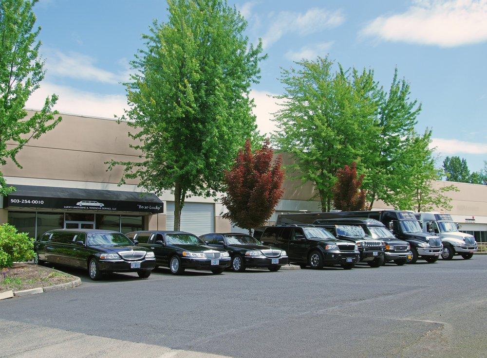 Lucky Limousine & Town Car Service: 11824 NE Ainsworth Cir, Portland, OR