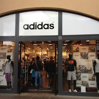 Adidas Outlet - Sport & Freizeit - Via del Borgo, Rodengo Saiano ...