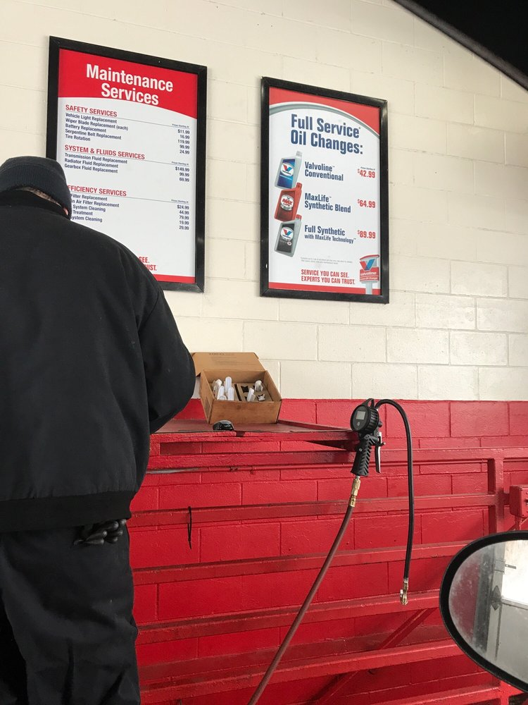 Valvoline Instant Oil Change: 5912 Packard Ave S, Cudahy, WI