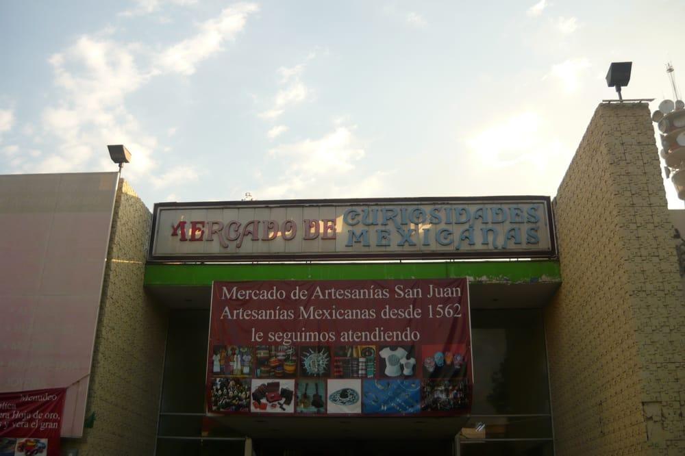 Mercado de artesanías y curiosidades mexicanas San Juan