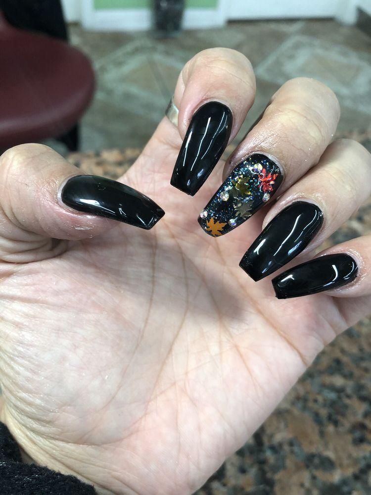 U Need Nails: 9849 Atlantic Ave, South Gate, CA