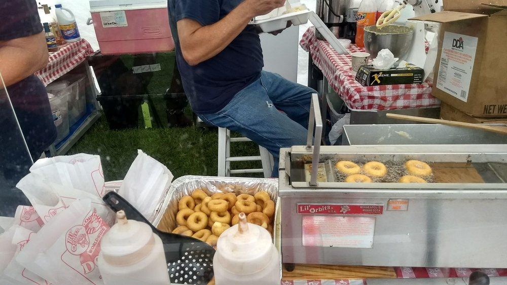 Petey's Mini Doughnuts: Mineral Bluff, GA