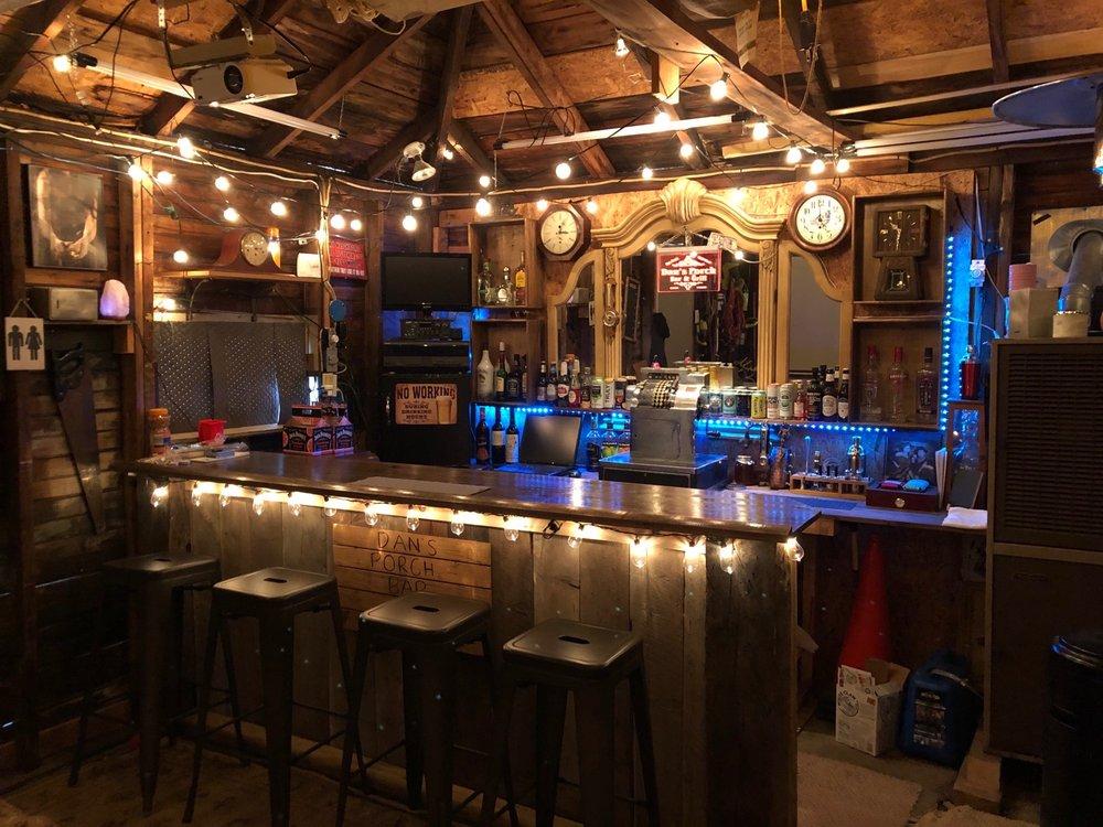 Dan's Porch Bar & Grill: South Market St, Johnstown, NY