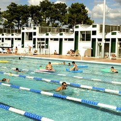 Stade nautique h deschamps piscines ave de thouars for Piscine talence