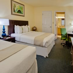 Photo Of Holiday Inn Hotel Suites Clearwater Beach S Harbourside Indian Rocks
