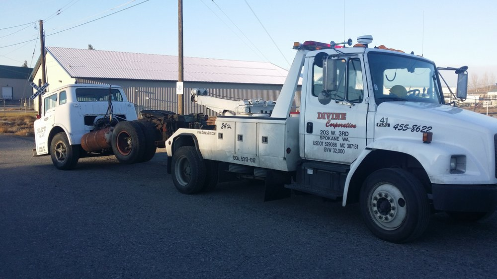 Divine's Towing and Hauling - Towing - 203 W 3rd Ave