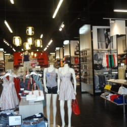 Niagara On The Lake Clothing Stores