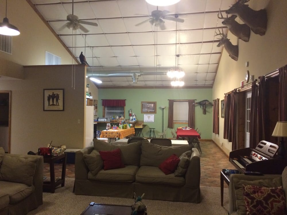 Lost Branch Lodge: 21614 Lost Branch Way, Brashear, MO