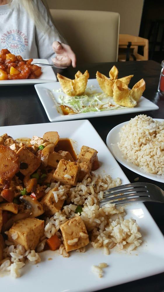 Chef Chu's: N2834 County Road Qq, Waupaca, WI