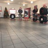 America S Tire 14 Photos 105 Reviews Tires 433 E Shaw Ave