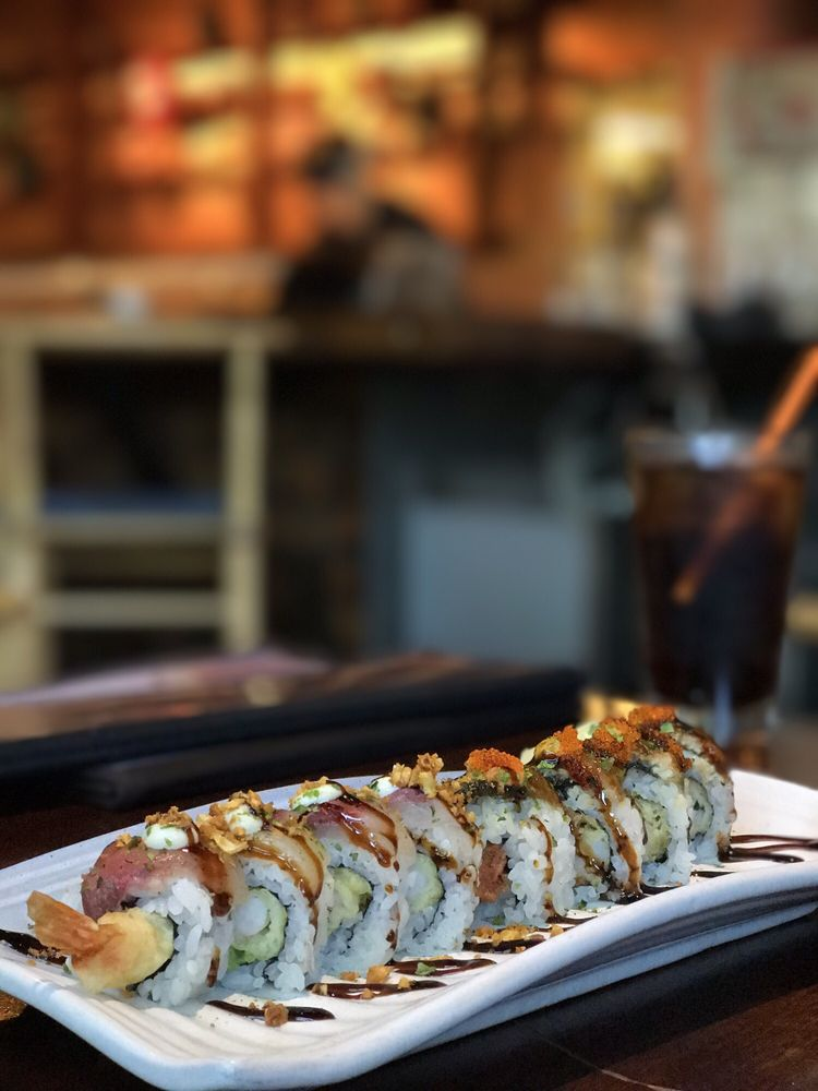 Doraku Kaka'ako Izakaya and Sushi