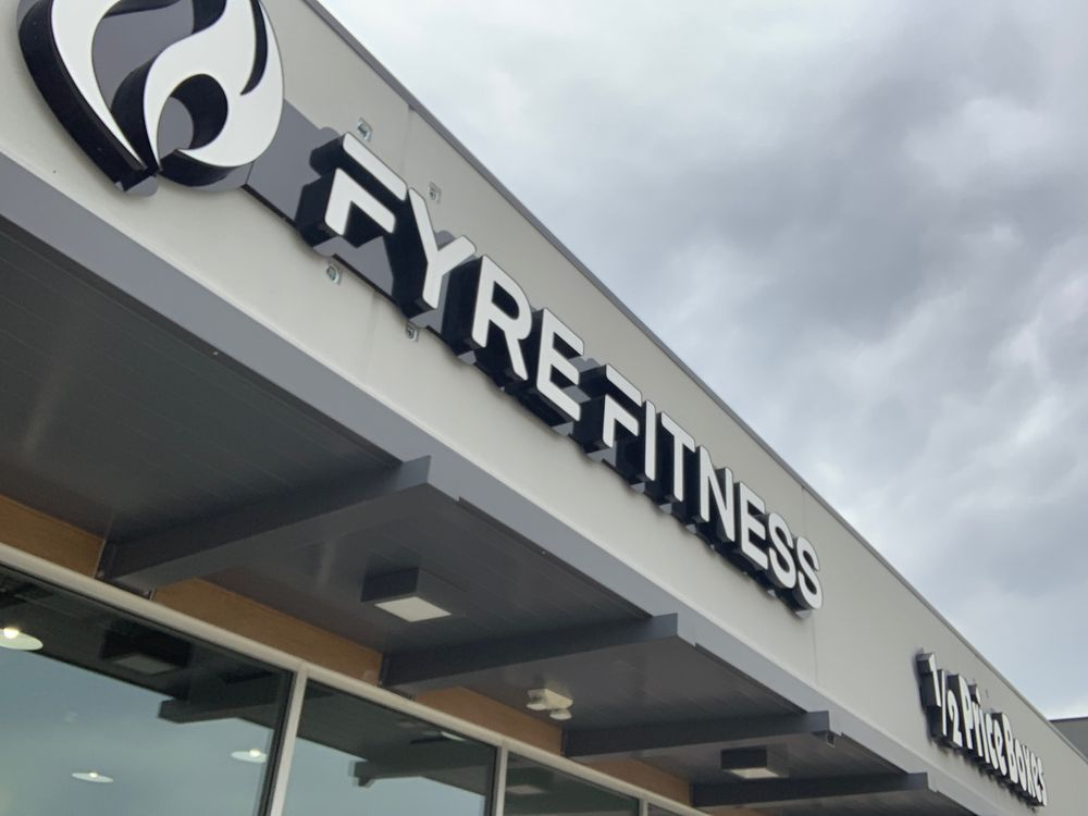 Fyre Fitness: 300 N Lp, Houston, TX