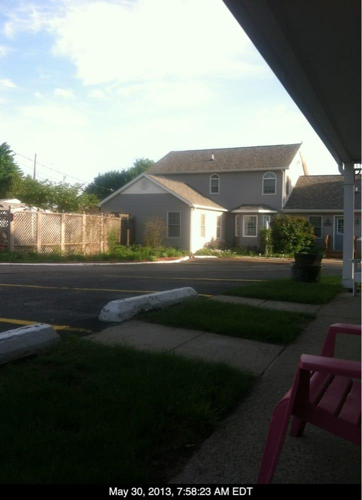 Sunset Motel: 9810 E Lansing Rd, Durand, MI
