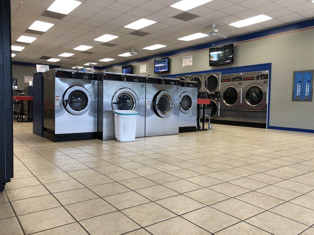 Suds Laundromat: 1067 W Oglethorpe Hwy, Hinesville, GA