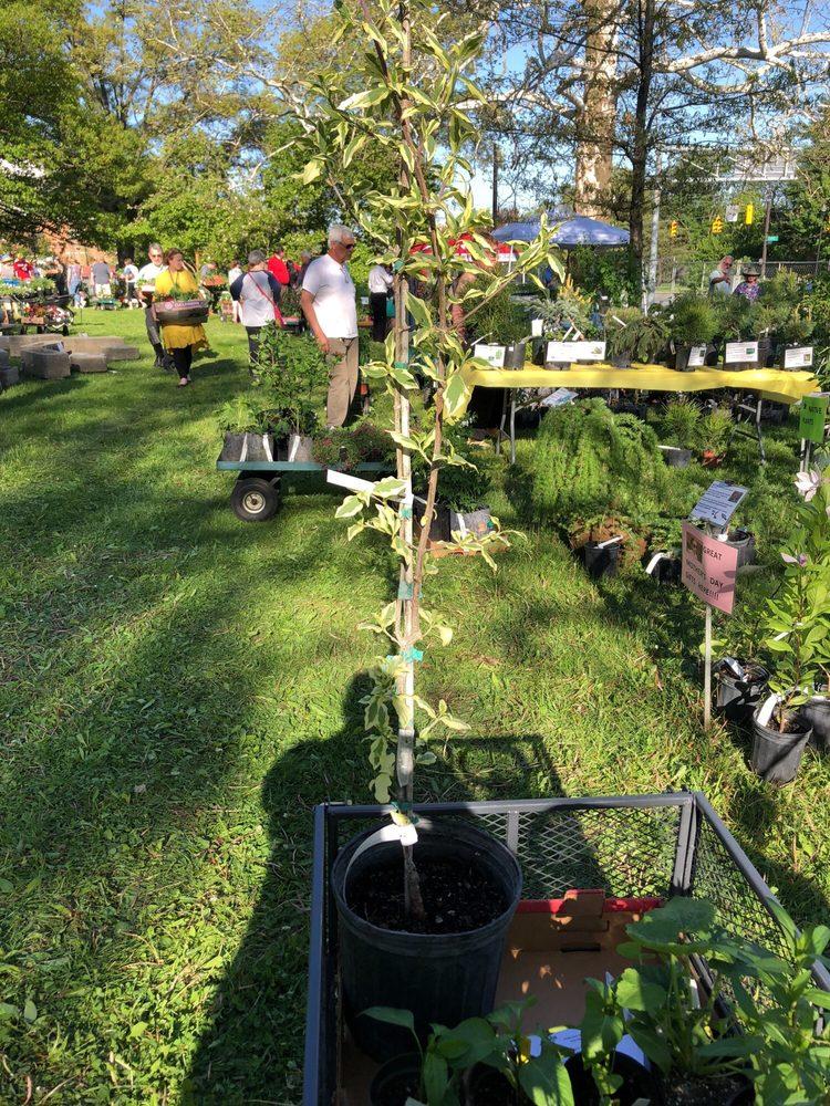 Dannaher Landscaping & Nursery: 12200 Vans Valley Rd, Galena, OH