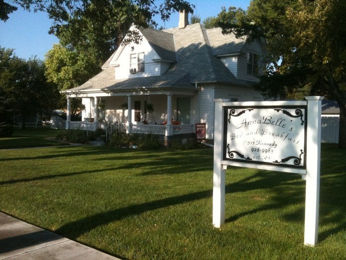 Annabelle's Bed & Breakfast: 517 Kennedy St, Alma, NE