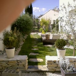 Fabre paysage jardinier 4 rue de la vistoule sauvian for Jardinier paysagiste herault
