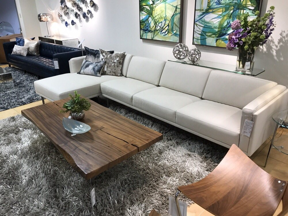 Berkley Sectional With Beautiful Woodbrook Table