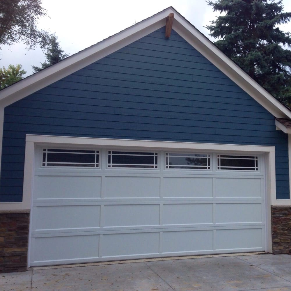 18 39 x 8 39 c h i garage door model 2294 color white for Garage door styles