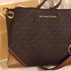 aee439ee0f26d9 Photo of Michael Kors - Vacaville, CA, United States. 02.16.19 crossbody