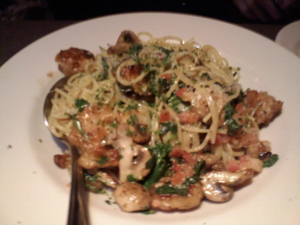 the appetizing bistro shrimp pasta love the mushrooms and