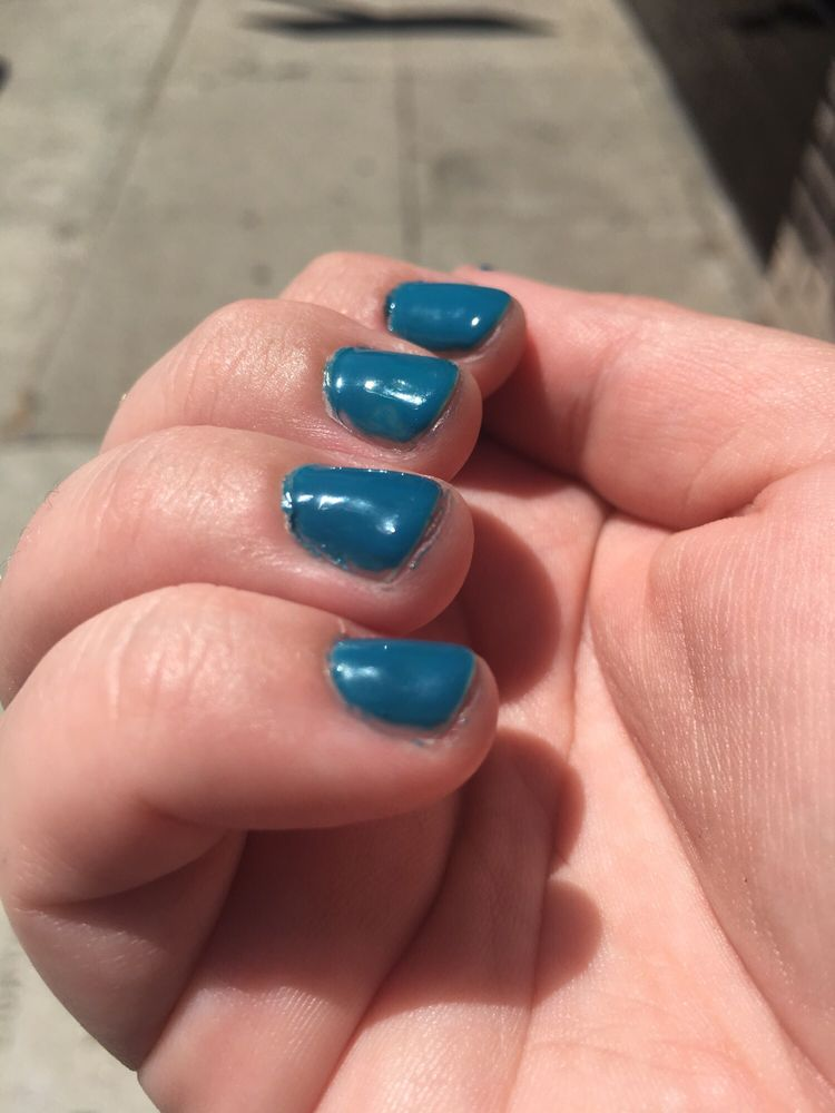 Lumpy, chunky, patchy gel manicure less than five minutes after the ...