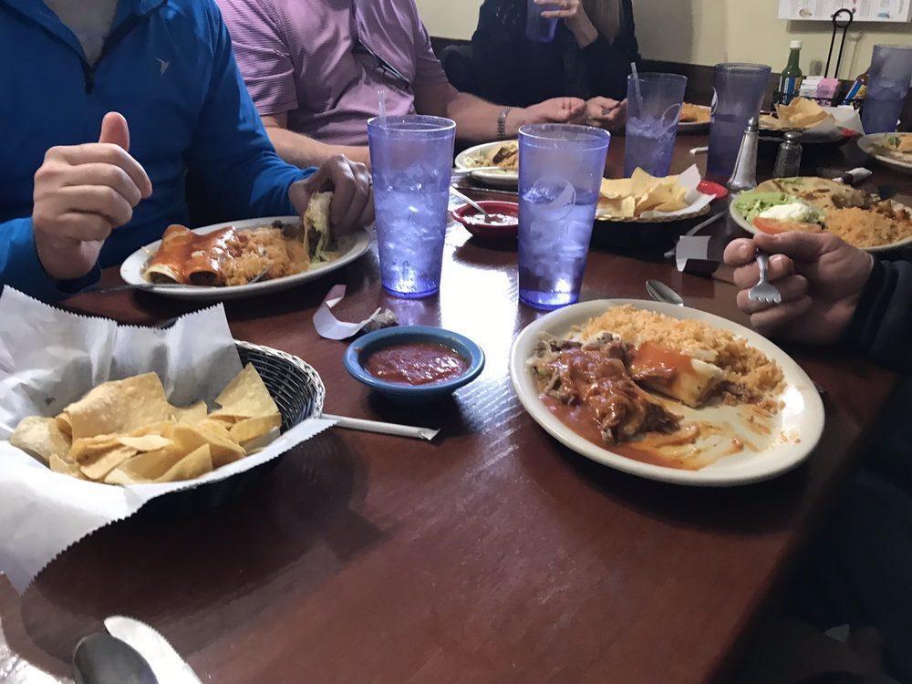 El Pueblito Mexican Restaurant: 101 E 28th St, Chanute, KS