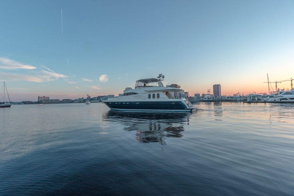 Tidewater Yacht Marina: 10 Crawford Parkway, Portsmouth, VA