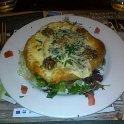 La Souris Gourmande - Tours, France. La tarte fine Auvergne... miam !