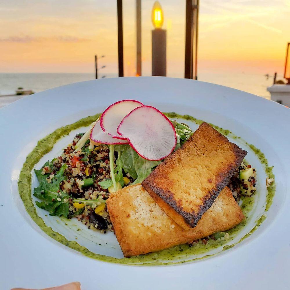 The Dewey Beach Bar & Grill: 109 8th Ave, St Pete Beach, FL