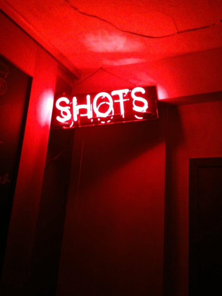 Underground Lounge: 500 E Locust St, Des Moines, IA