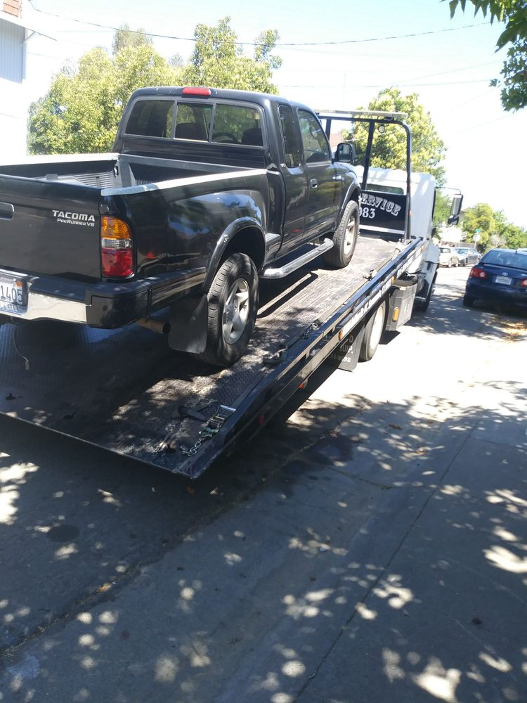 Towing business in Parkway, CA