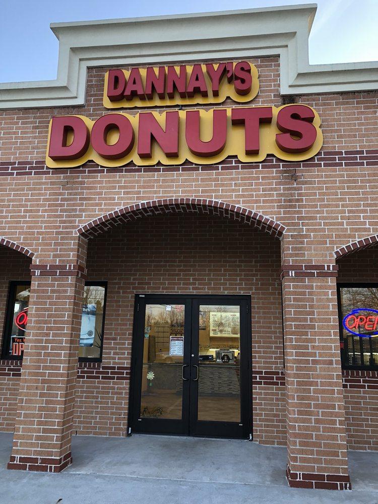 Denna's Donuts: 7328 Fm 3180 Rd, Baytown, TX