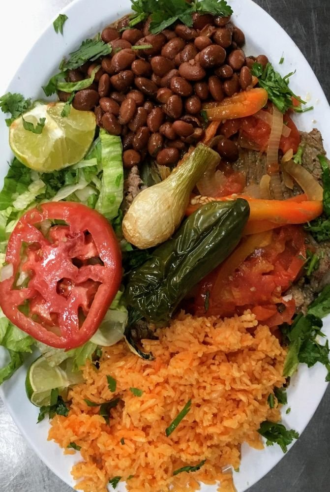 El Ranchito Restaurant & Foodmarket: 2671 US Highway 17 92 N, Haines City, FL