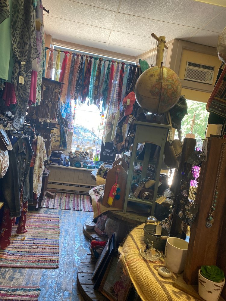 Without Borders Boutique: 116 Washington Sq, Bucyrus, OH