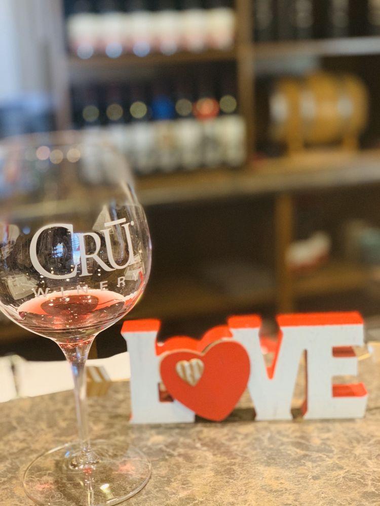 CRŪ Winery: 20146 Rd 21, Madera, CA
