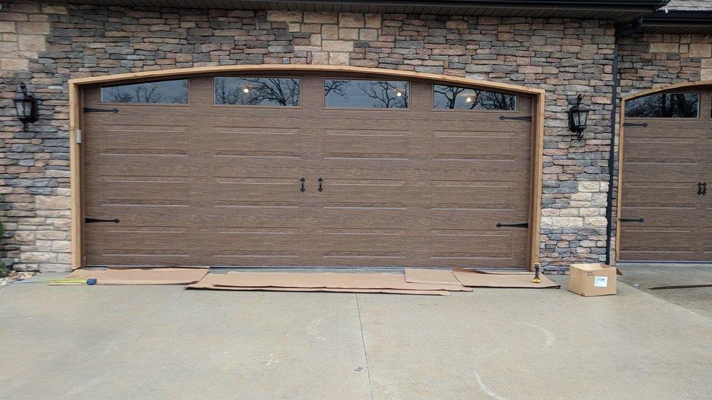 J & J Garage Door Service: Blue Eye, MO