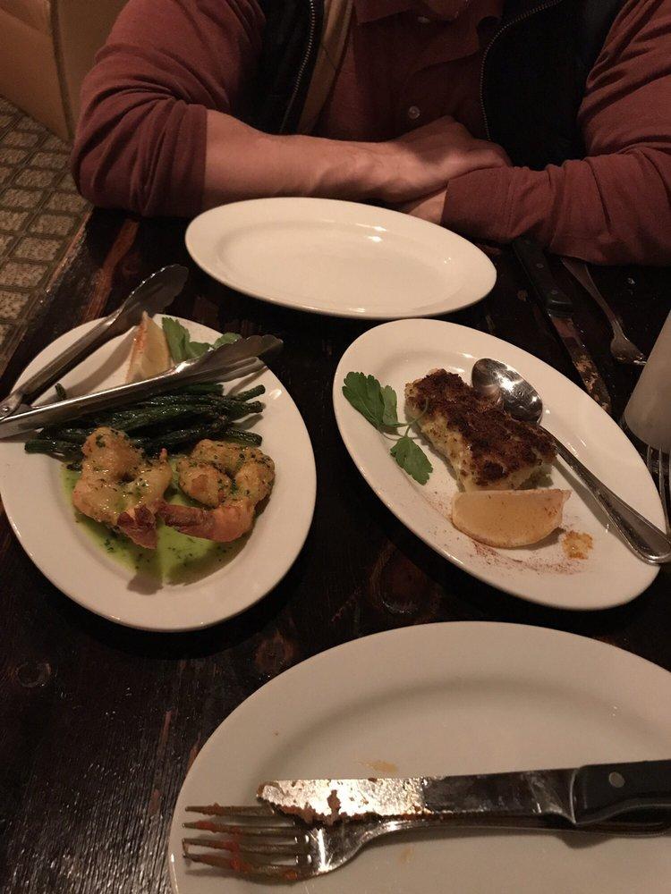Maroni Cuisine: 18 Woodbine Ave, Northport, NY