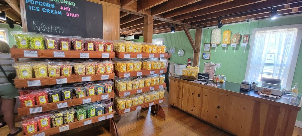 Amana Colonies Popcorn and Ice Cream: 4516 220th Trl, Amana, IA