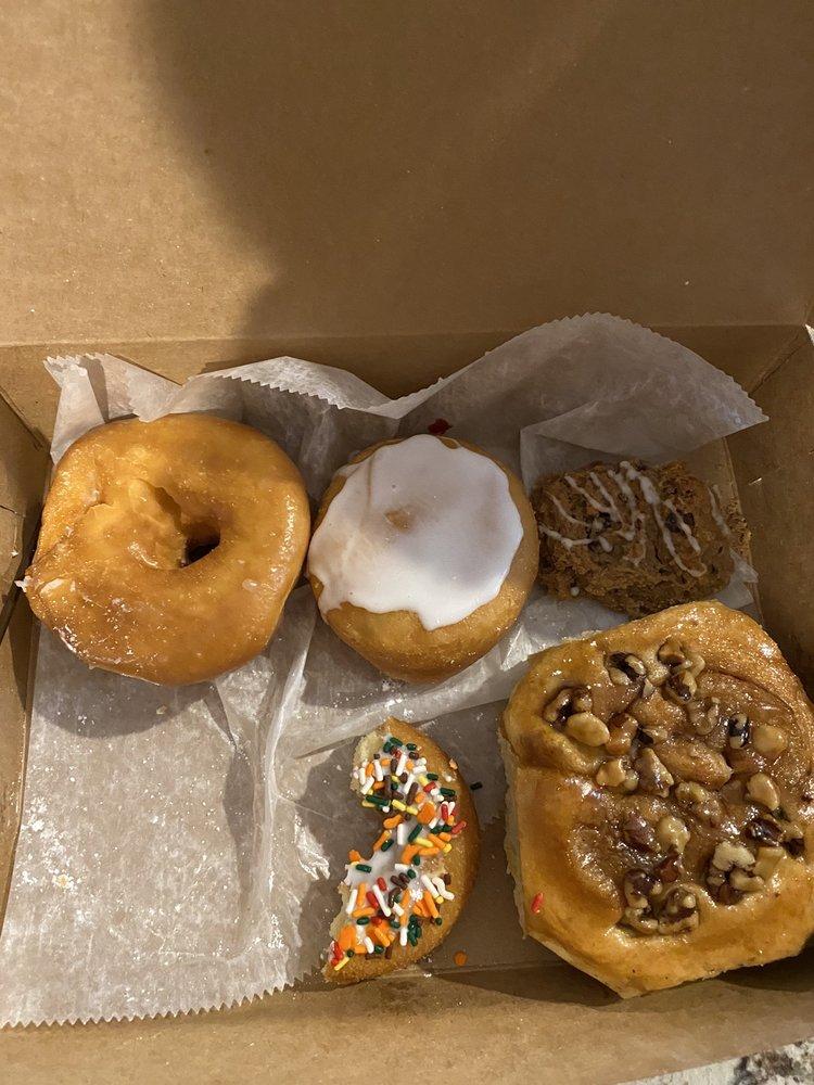 Donut Chef-Brick Oven: 6922 State Rt 22, Delmont, PA