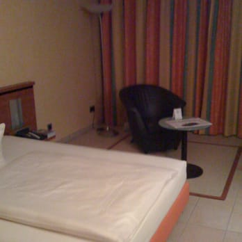 Hotel vierjahreszeiten 17 fotos 10 beitr ge hotel for Moderne hotels nrw